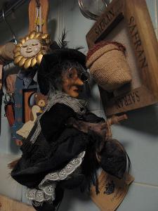 La Befana és la bruixa que porta els regals als nens italians i la podem trobar representada per nines arreu d'Italia.
