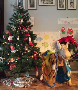 L'Arbre de Nadal, on el Pare Noel deixarà els regals i el Tió de Nadal són els protagonistes d'aquests dies.